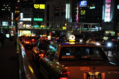 タクシー夜